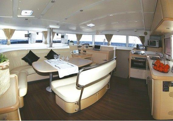 Interior Catamarán Lagoon 440