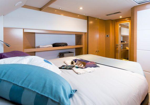 Interior Catamarán Victoria 67